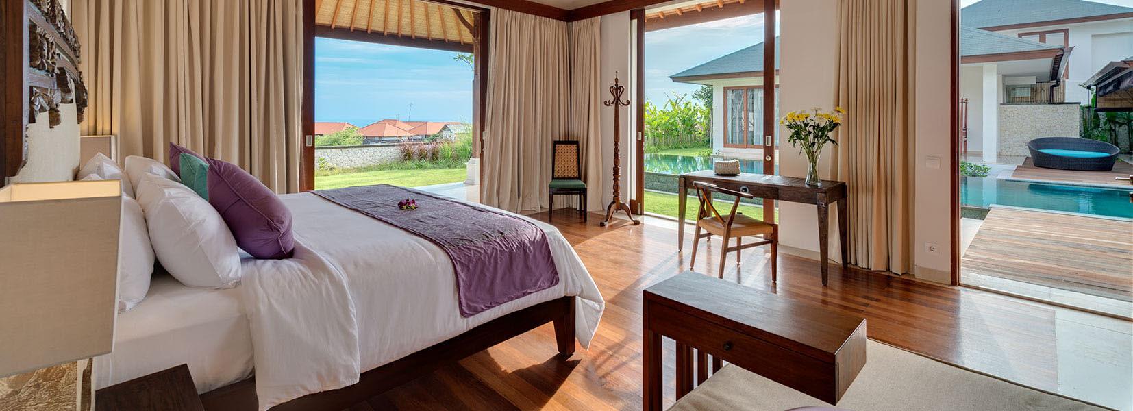 Pandawa Cliff Estate - Villa Marie - Master bedroom one